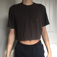 Crop top Tommy shirt  Kelowna, V1Y 8N9
