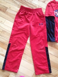 Under armour young boy pants are size 5 shirt size 6 only worn twice excellent condition no Knicks or stains etc Moncton, E1G 1B2