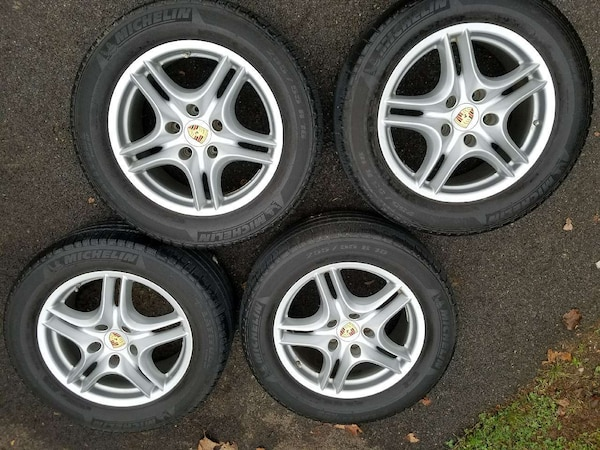 Porsche Cayenne used wheels/tires combo