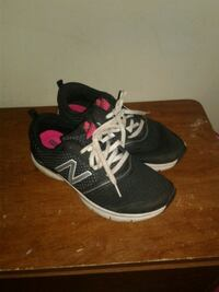 Womens size 10 sneakers Catawissa, 17820