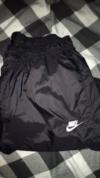 Nike windbreaker pants  London, N6E