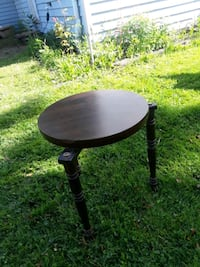 Accent table/plant table/ end tabel Tonawanda, 14150