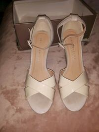 like new size 10 nude wedges, only worn for couple hours once!!  Indianola, 50125