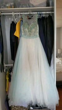 Evening Dress (Only worn once!) Size 8 Toronto, M1P 2M8