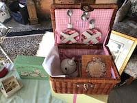 Muffy picnic set.  collector item. wicker case