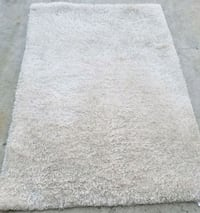SOFT PLUSH AREA RUG SIZE 5 1/2' X  3 1/2' Fresno, 93720