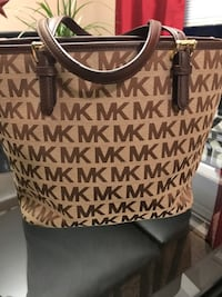 Brown and black michael kors monogram tote bag New Castle, 16105