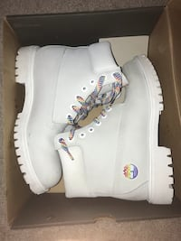 pair of white Timberland work boots in box Fairfax, 22032
