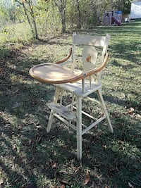 Antique high chair Hedgesville, 25427