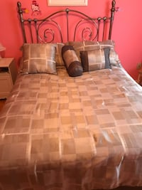 Gold bed frame - good condition
