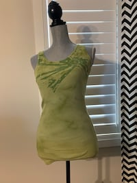 Women's tank top size large London, N6M 0E5