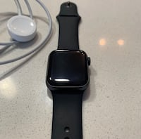 Brand new 4 series apple watch with charger