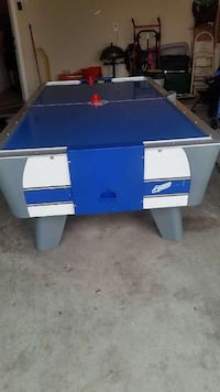 blue and gray air hockey table Belton, 76513