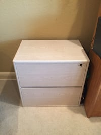 white wooden 2-drawer nightstand West Palm Beach, 33411