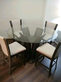 Dining room table with 4 chairs Silver Spring, 20902