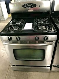 MAYTAG STAINLESS STEEL NATURAL GAS STOVE $279 #275 Hempstead, 11550