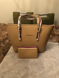 women's brown leather Michael Kors tote bag Alexandria, 22311
