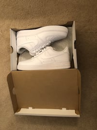 pair of white Nike Air Force 1 low with box Laurel, 20723