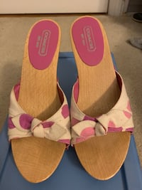 Coach shoes size 8 Linthicum Heights, 21090