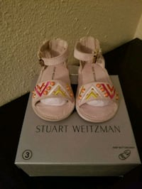 pair of white-and-pink sandals  Tigard, 97223