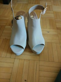woman's wedge shoe size 8 Mississauga, L5G 4L3