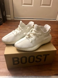 Yeezy triple white Laurel, 20723