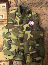 Camo Canada Goose Vest brand new with tags Mississauga