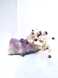 Healing stone wire tree atop amethyst hand made