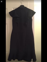Black cap-sleeved pleated midi dress size s East Gwillimbury, L9N 0B9