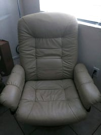 Tan chair with ottoman Bakersfield, 93309