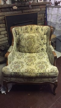 Antique chair  Mississauga, L5G