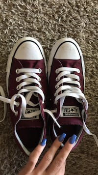 Pair of black converse all star low-top sneakers like new size 7 Lompoc, 93436