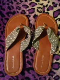 pair of brown leather thong sandals Highland, 92346