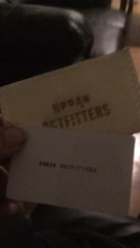 Urban outfitters $100 for $85 gift card or trade for amazon gift card for face value- price -Negotiable Toronto, M2R 1N9