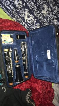 gently used clarinet null
