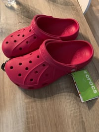 Pair of hot pink crocs rubber clogs size 9M /11W. Rockville, 20850