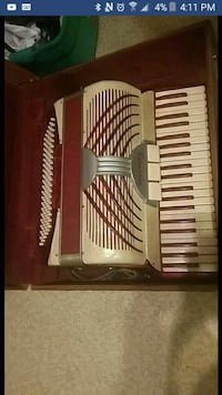 Antique accordion for sale/trade Kamloops, V2C 1P8