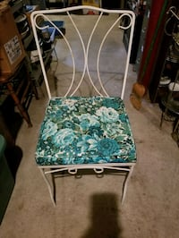 Wrote Iron outdoor chairs
