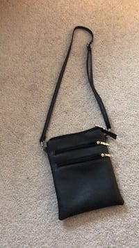 Small black purse Berwyn Heights, 20740