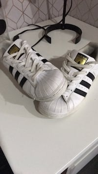 Adidas shoes Longueuil