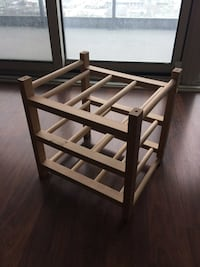 Wooden towel/storage rack Toronto, M4G