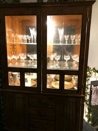 Hutch/ framed glass display cabinet Spokane, 99218
