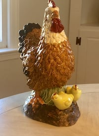 """Ceramic Chicken with chicks, Large 16"""" Fairfield, 06824"""