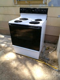 white and black electric coil range oven Memphis, 38108