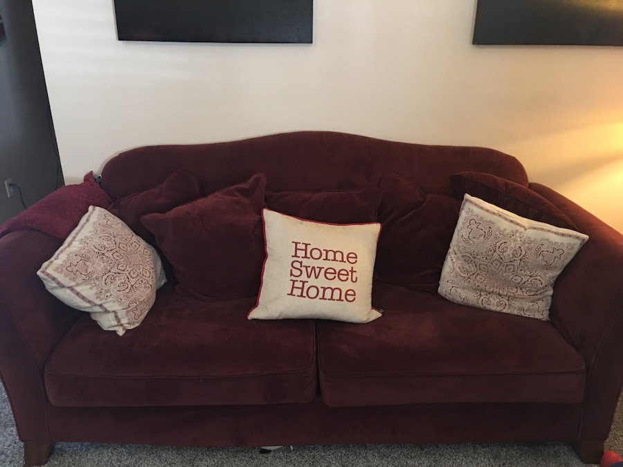 Throw Pillows For Maroon Couch : maroon two seat couch with throw pillow in Jacksonville - letgo