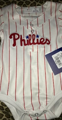 Official Genuine Merchandise BRAND NEW w/ Tags Phillies 12/M Team Jersey onesie! $45 Value Cherry Hill, 08003