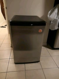 Igloo mini fridge 4.5 cu-ft FR465 Markham, L6B 1L8