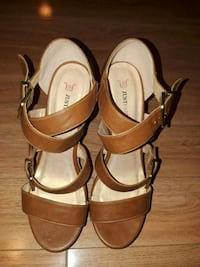 Just Fab- Brown Leather wedge heels - size 7 Mississauga, L4W 3S8