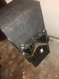Black kicker subwoofer with enclosure Tallahassee, 32304