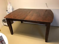 Expandable solid wood table Peabody, 01960